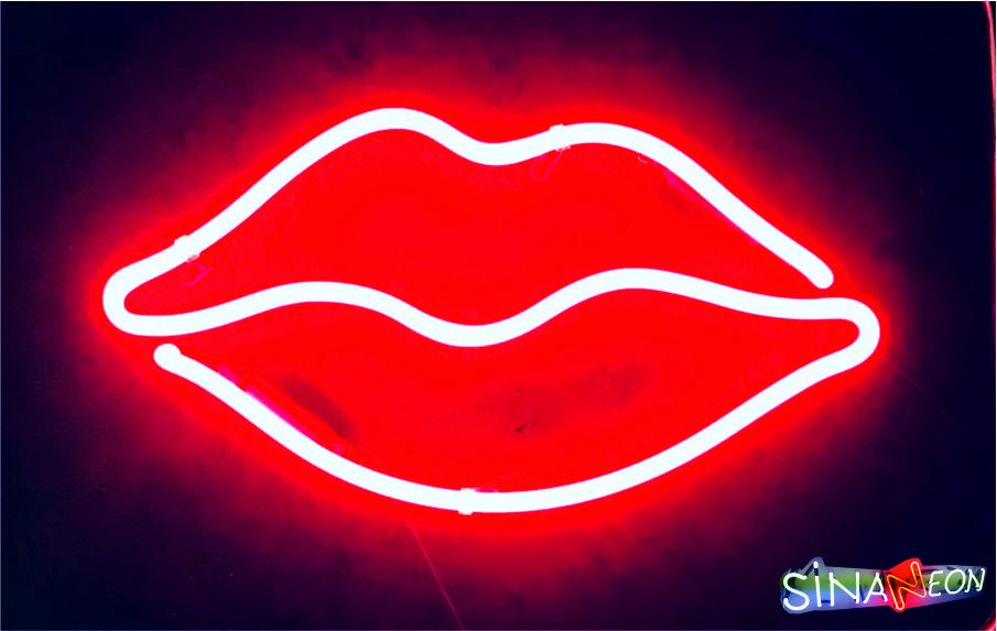 Cam Neon Dudak Görseli