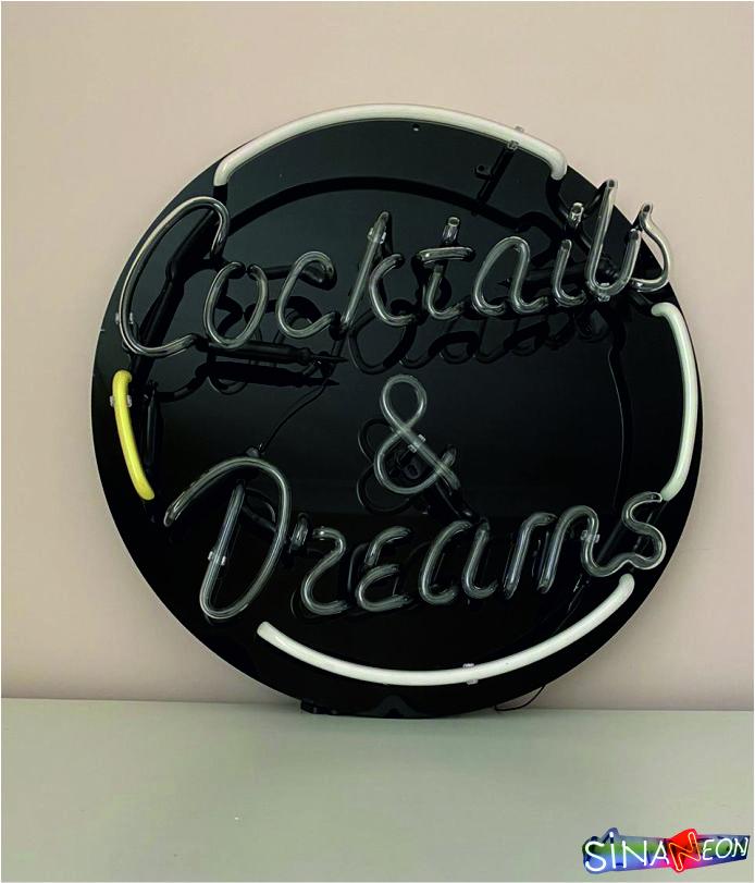 Coctails & Dreams Neon Yazı