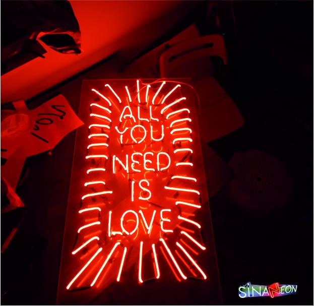 all you need is love ışıklı yazı