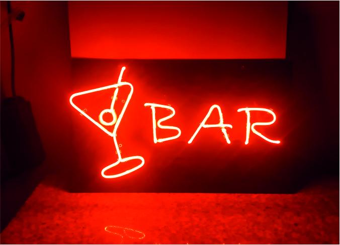coctail bar neon görseli