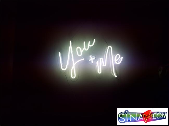 you + me led neon yazı